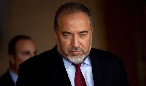 فضيحة بل مصيبة.. ليبرمان يهنئ الإسرائيليين بنقل ملكية تيران وصنافير إلى السعودية ويشرح لكم لماذا؟