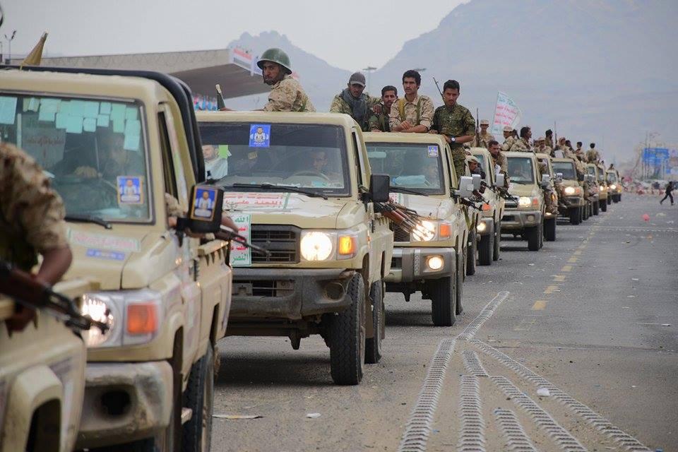 بالصور: عدد هائل من المقاتلين والأطقم العسكرية إلى ميدان السبعين من شارع الرسول الأعظم