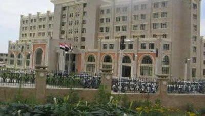 حكومة الإنقاذ تؤكد رفض اليمن تجاوزات قوات الاحتلال الإماراتي في سقطرى
