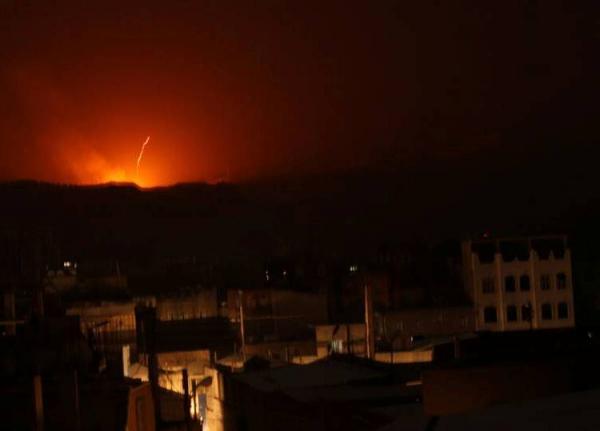 عاجل.. إنفجارات عنيفة تهز العاصمة صنعاء جراء غارات لطيران العدوان السعودي (الأماكن المستهدفة)
