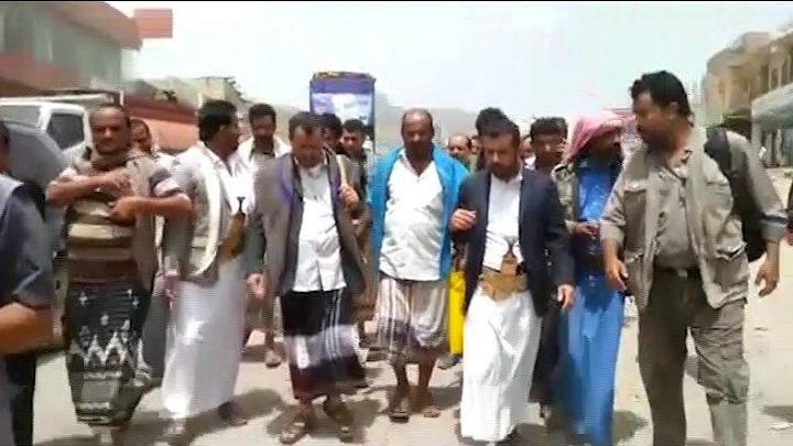 محافظ الضالع يدشن شق وإصلاح الطرقات في مديريتي دمت وجبن بالمحافظة