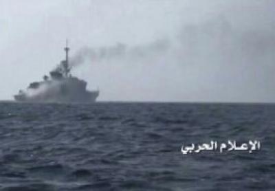 استهداف بارجة حربيةللتحالف كانت تحاول الإنزال البحري لجنود أمريكيين