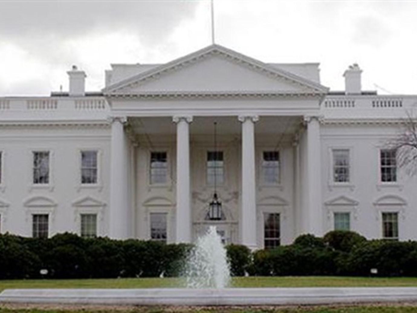 «واشنطن إيكسامنر»: البيت الأبيض مطالب بوقف دعم الإمارات والسعودية في اليمن لتجاهلهما نصائحه