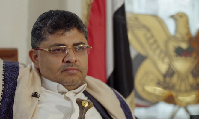"""الحوثي يوجّه نصيحة """"لمن يريدون الحديث عن الفساد"""""""